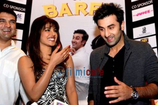 Ranbir-Kapoor-and-Priyanka-Chopra-at-Barfi-Press-Conference.jpg