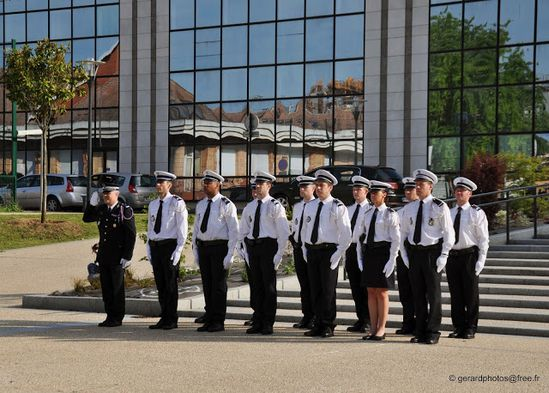 Cergy---Ceremonie-Appel-18-juin---005-c-gerardphotos-fre.jpg