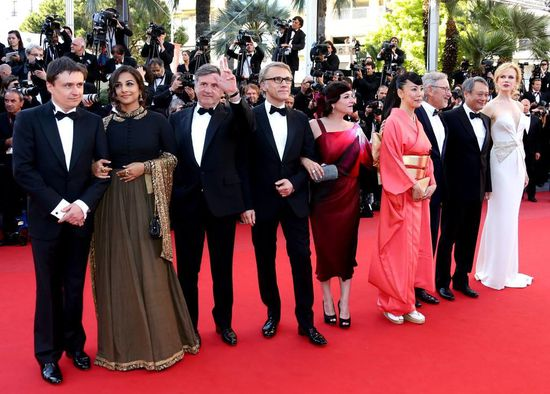 Vidya-Balan-at-the-Cannes-2013-closing-ceremony-2.jpg