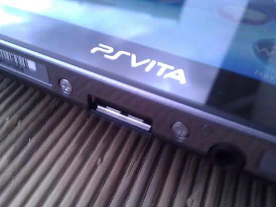 PS Vita 4ugeek a