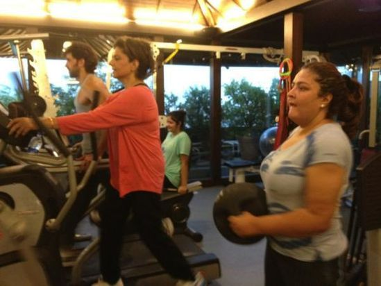 Hrithik-Roshan-at-the-gym-with-family.jpg