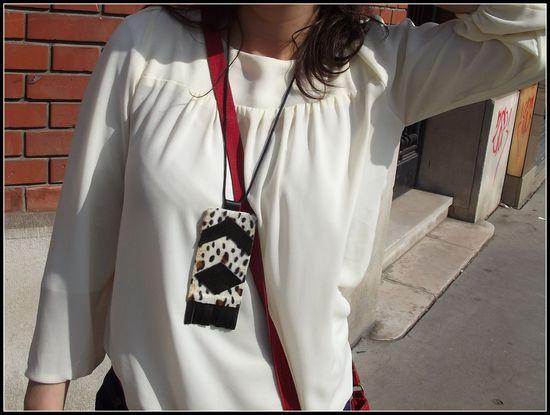 modepourfauchees-blouseblanche-sacrouge-collierdiy6