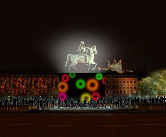 lyon-fete-des-lumieres-magic-cube.jpg
