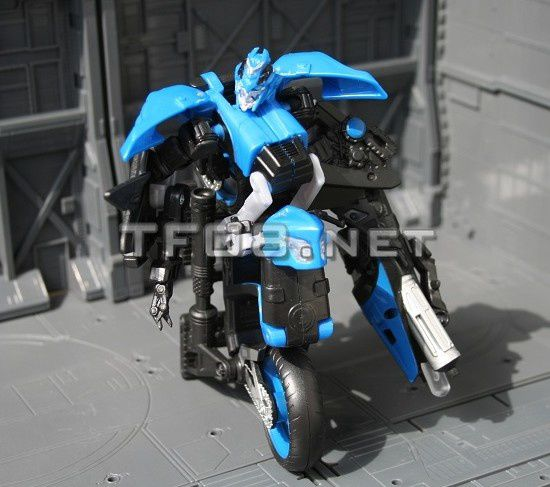 Jouets KO/Bootleg/Knockoff des Films Revenge-of-the-Fallen-Chromia-1