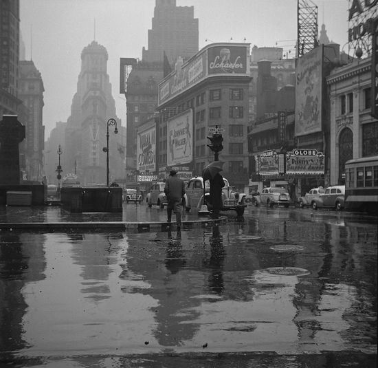 Rainy-day-in-Time-Square.jpg