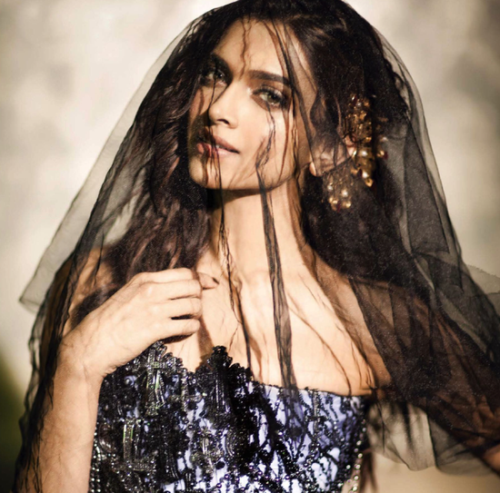 Deepika-Padukone-for-vogue-sept-2013-4.png
