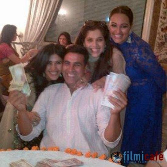 Ekta-Kapoor-s-Diwali-Card-Party.jpg