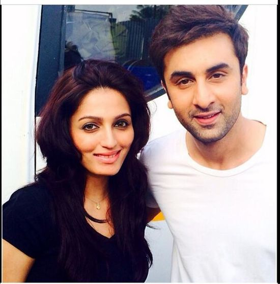 Ranbir-Kapoor-with-Big-B-on-the-sets-of-Bhootnath--copie-1.jpg