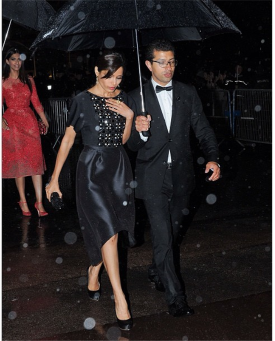 Sonam-Kapoor-at-gala-dinner-at-cannes-2013-2.png