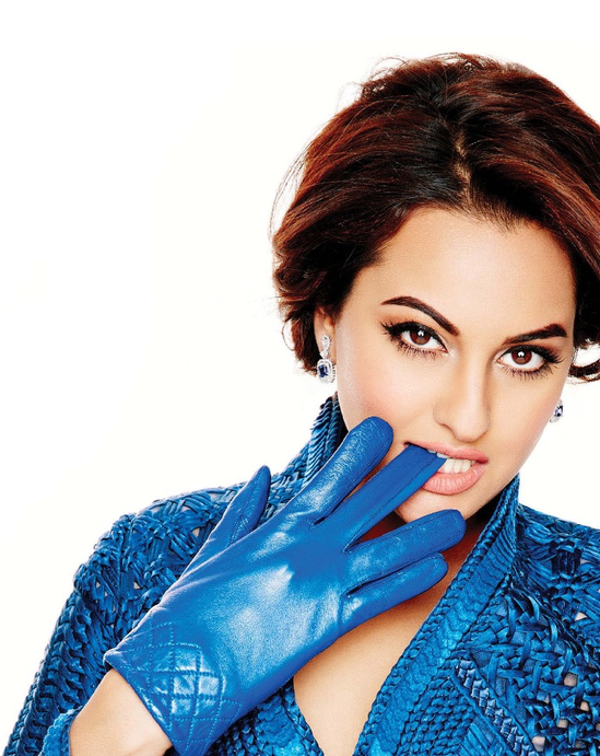 Sonakshi-Sinha-on-the-cover-of-L-Officiel-December-2013-5.png