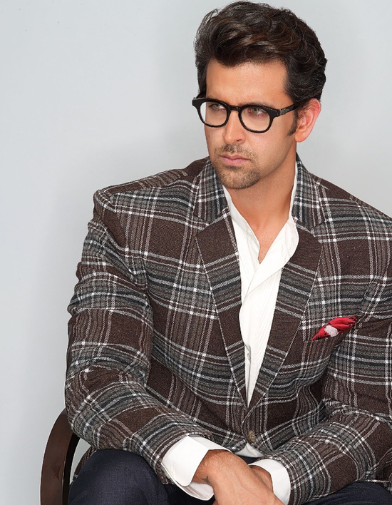 Hrithik-Roshan-covers-Hi--Blitz-November-3-copie-1.png