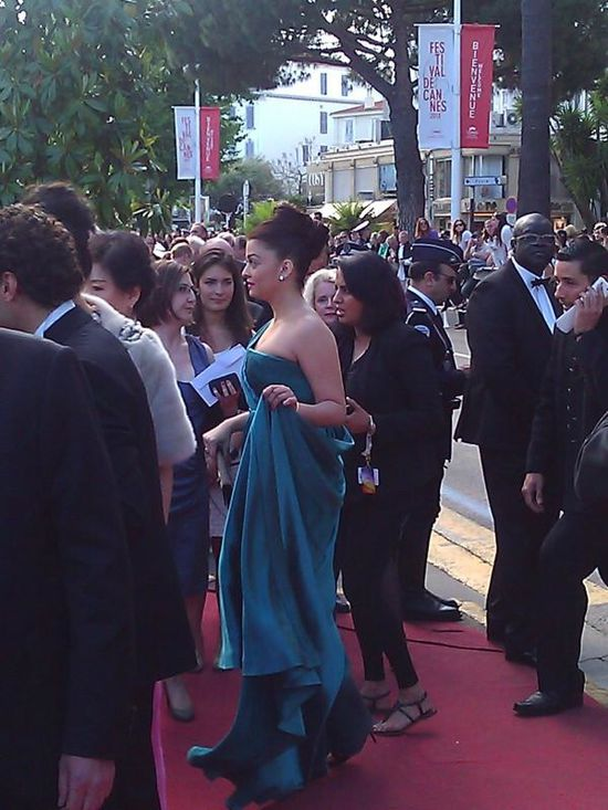 Aishwarya-Rai-Bachchan-at-the-premiere-of--Cleopat-copie-12.jpg