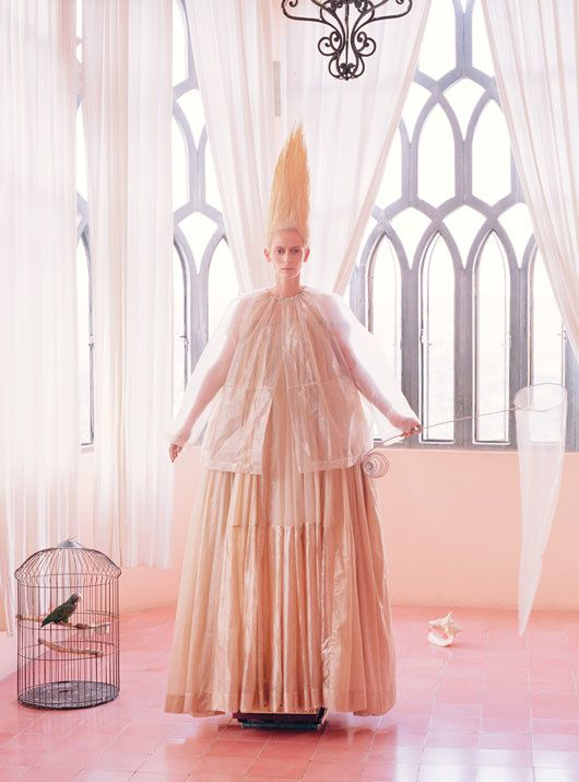 Tilda SWINTON... par Tim WALKER... W Mag. mai 2013 01