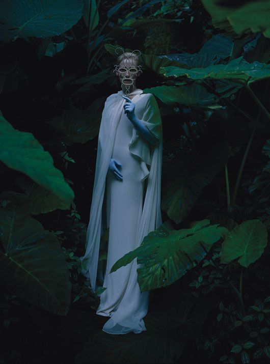 Tilda SWINTON... par Tim WALKER... W Mag. mai 2013 08