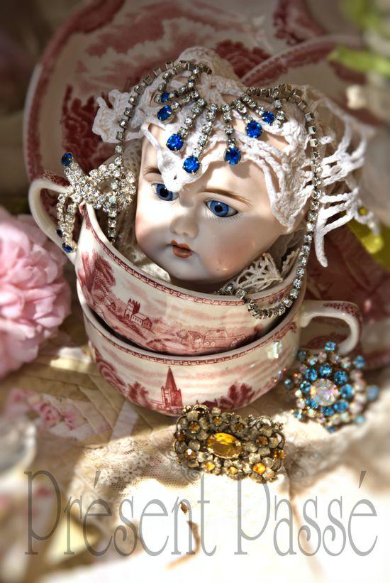 poupée de porcelaine 57