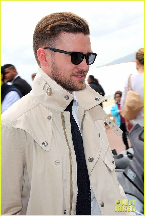 justin-timberlake-torch-cannes-spinning-gold-celebration-09.jpg
