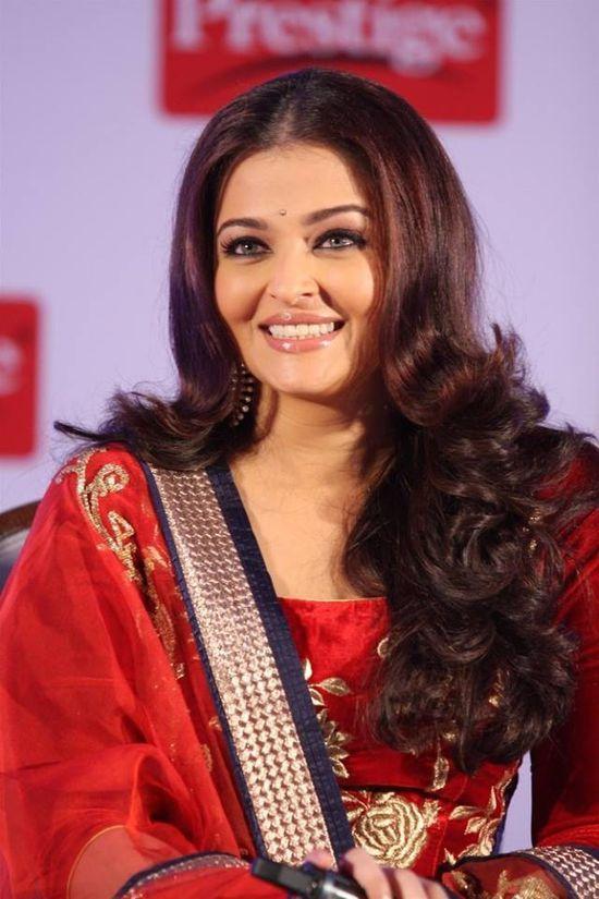 Aishwarya---Abhishek-B-for-TTK-prestige-1.jpg