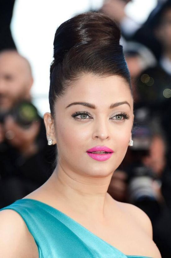 Aishwarya-Rai-Bachchan-at-the-premiere-of--Cleopatra--at-th.jpg