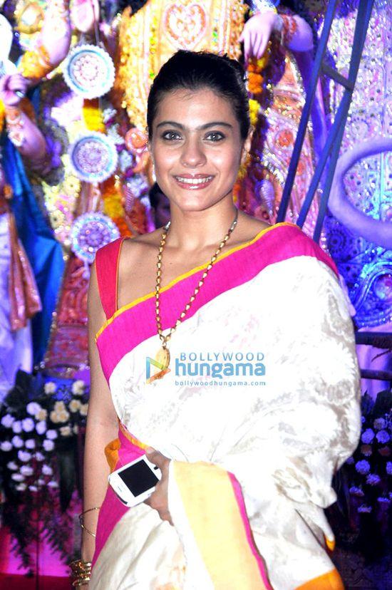 Kajol-graces-Durga-Pooja-1-copie-1.jpg