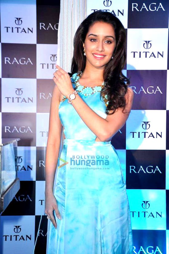 Shraddha-Kapoor-launches-the-Raga-Pearls-collectio-copie-1.jpg