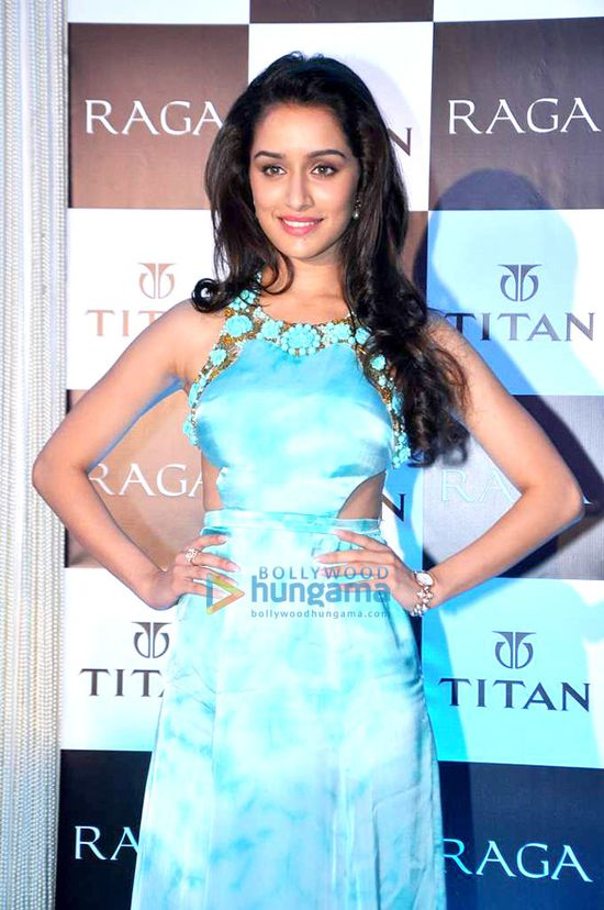 Shraddha-Kapoor-launches-the-Raga-Pearls-collectio-copie-2.jpg