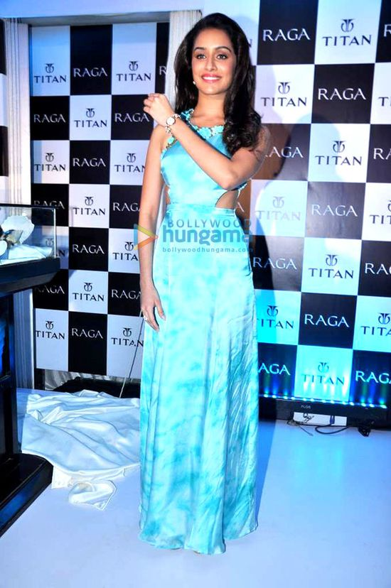 Shraddha-Kapoor-launches-the-Raga-Pearls-collection-of-watc.jpg
