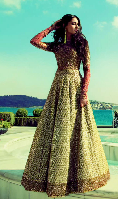 Sonam-Kapoor-on-the-cover-of-Elle-Magazine-India-O-copie-1.png