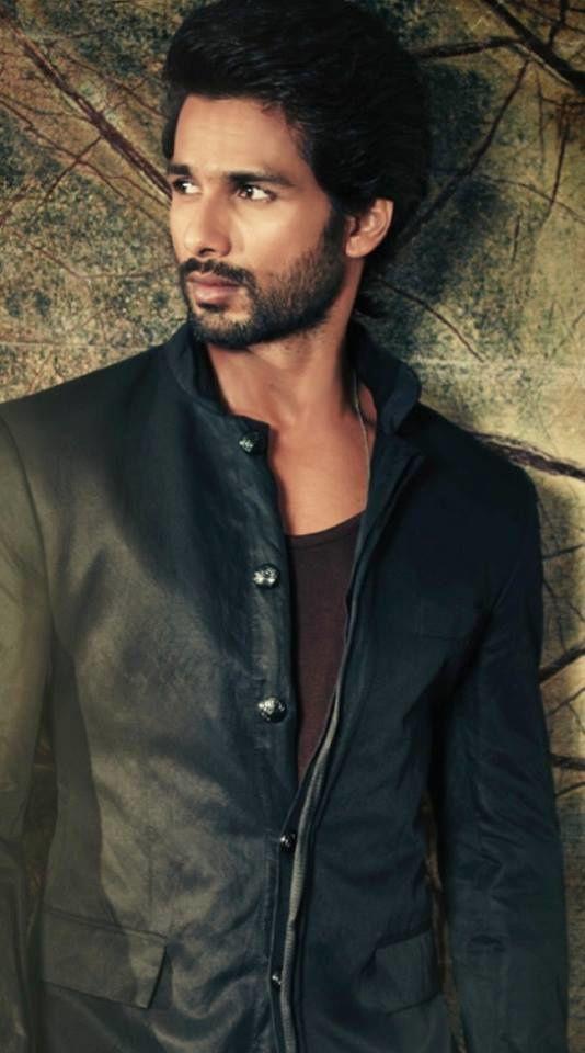 Shahid-for-Hello-India-oct-2013-2.jpg