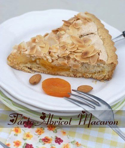 Tarte-abricot-macaron-2-copie-1.JPG