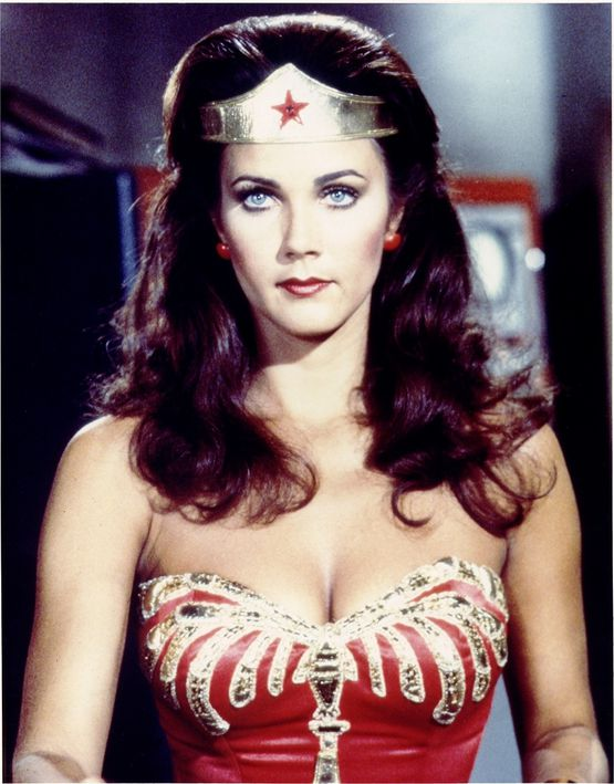 Lynda-Carter-as-Wonder-Woman-from-the-CBS-series--copie-1.jpeg