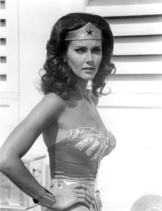 Lynda-Carter-as-Wonder-Woman-from-the-CBS-series--copie-4.jpeg