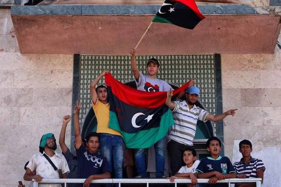 Des-libyens-celebrent-la-prise-de-Zliten-et-Zawiyah_scalewi.jpg