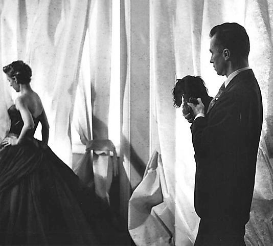 Ball-gown-1951-Charles-James-MET-3-copie-1.jpg