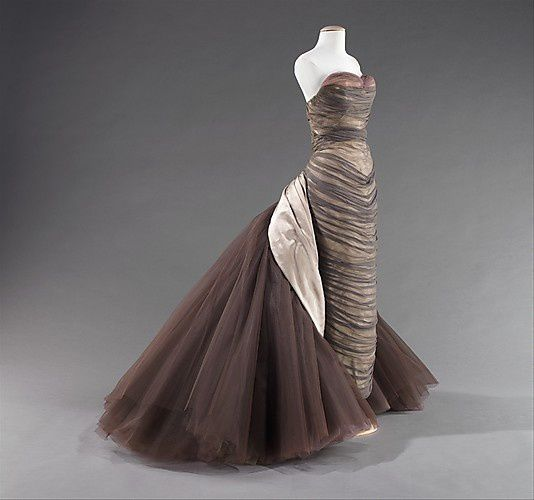The-butterfly-gown---Charles-James-1955-5-.jpg