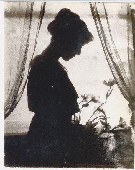 Gertrude-Kasebier---Silhouette---c.-1915--Gum-Bichromate-P.jpg