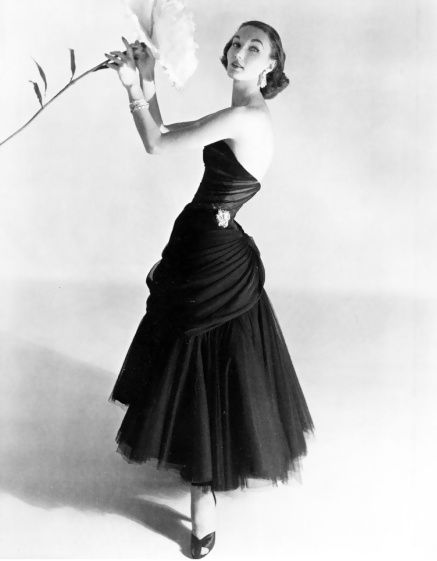 evelyn-tripp-in-a-charles-james-evening-dress-photo-by-hors.jpg