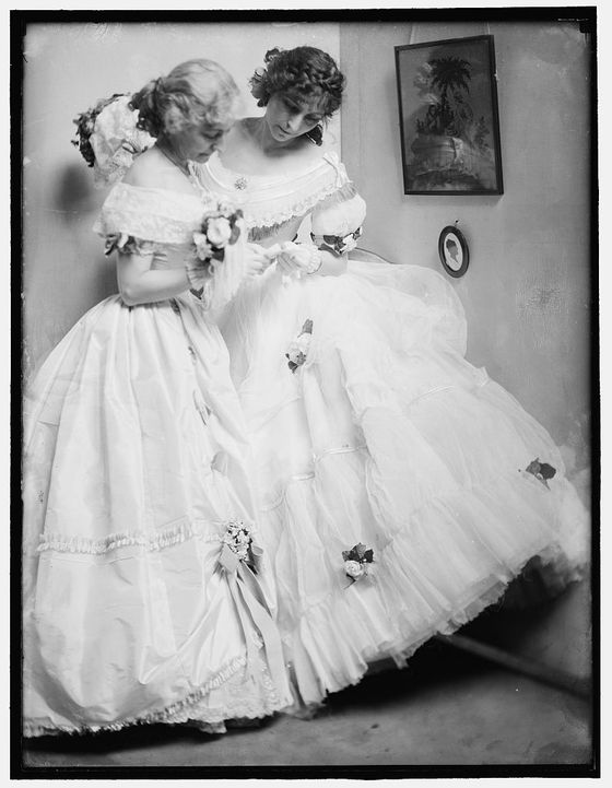 The-Gerson-Sisters-in-Costume-for-the-Crinoline-Ball-1906-2.jpg