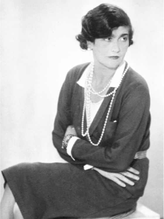Coco-Chanel.-Man-Ray--1930.jpeg