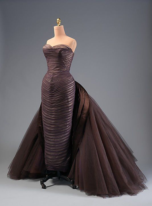 The-butterfly-gown---Charles-James-1955-6.jpg