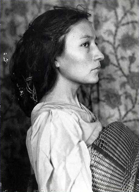 Gertrude-Kasebier-Photo-of-Zitkala-Sa.jpg