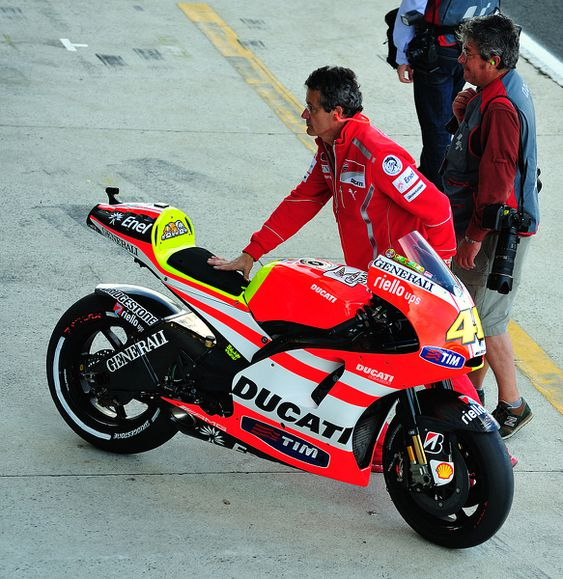 Warm up Rossi 02