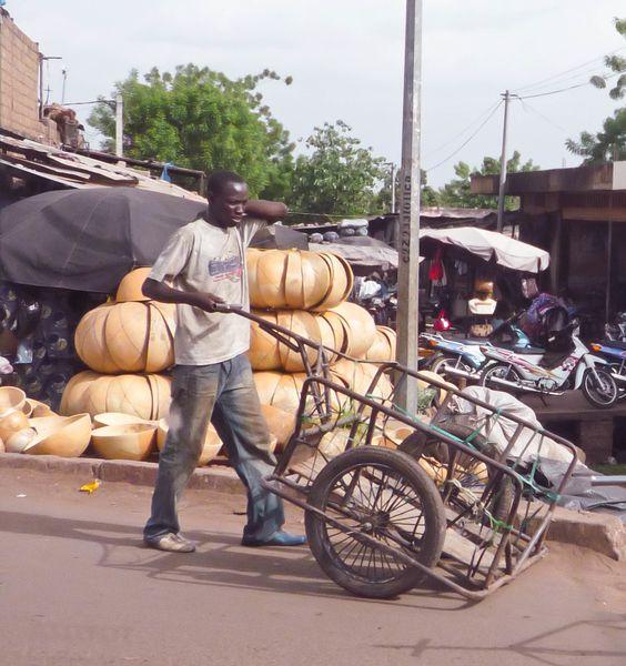 Calebasses au marché de Médine à Bamako (Mali)