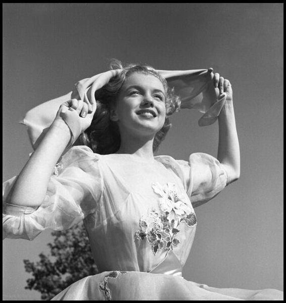 Marilyn Monroe photographed by Earl Theisen, 1947 (15)