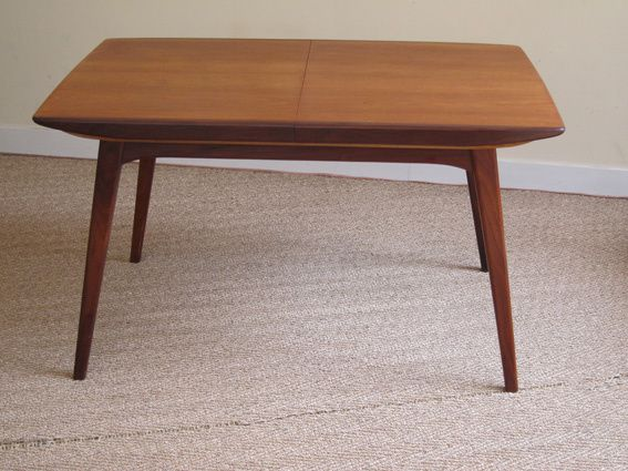 Table scandinave en teck 1950 coin canal for Table a manger le bon coin