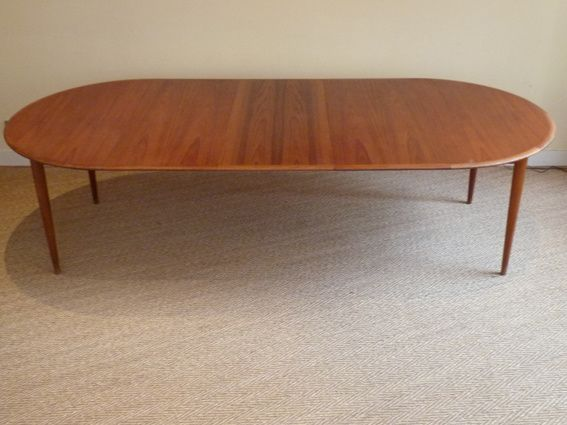 Table scandinave 1960 en teck coin canal for Table ronde rallonge scandinave