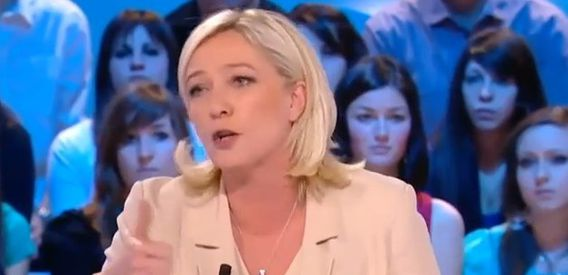 http://img.over-blog.com/570x275/2/48/64/38/news-people/marine-le-pen-denisot.jpg