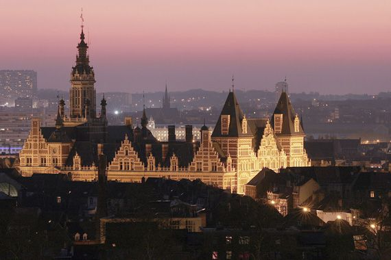 hotel_de_ville_de_schaerbeek_orange_couchant_light_pink_pri.jpg