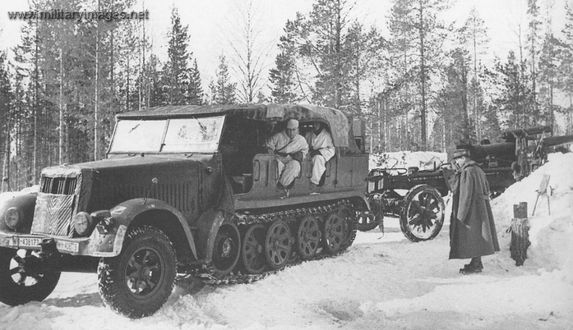 WWII - Sd Kfz 7 towing a 15cm sFH 18 howitzer in Lapland