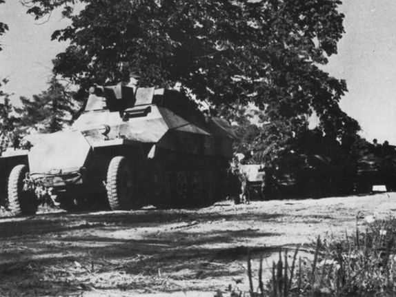 3rdReich pzht SdKfz 251-9 with the