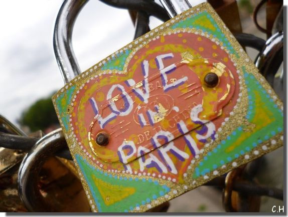 Paris Pont des Arts Love Paris biais